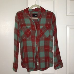 HURLEY--vintage inspired button down
